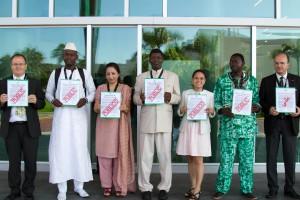 Civilsamhället kräver öppen rapportering om vapenhandel vid förhandlingarna i Cancun. Foto: Control Arms.