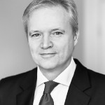 Att skapa stabila regeringar i högerpopulismens Sverige