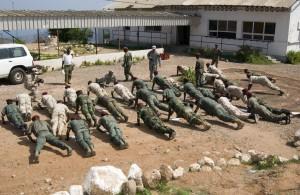Amerikanska armén tränar djiboutiska soldater i anti-terroroperationer. Foto: US Navy/Philip A. Fortnam