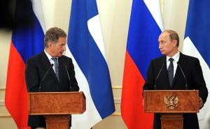 Finlands president Sauli Niinistö möter Rysslands president Vladimir Putin. Foto: Kremlin