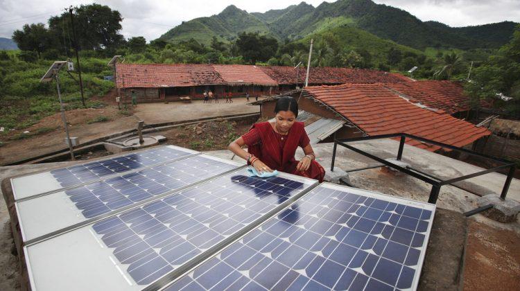 Striden mellan fossila bränslen och förnyelsebar energi