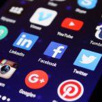 Appar och digital övervakning av kvinnor