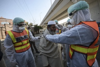 Crisis of confidence hampers Iran's fight against massive coronavirus outbreak